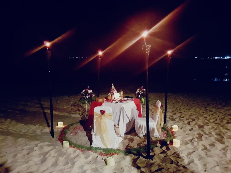 Amazing Romantic Bali Beach dinner proposal set-up